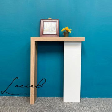 LMC001 Entry Console Table
